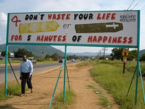 AIDS awareness sign, Sekhukhune (Photo: Frank Thomalla)