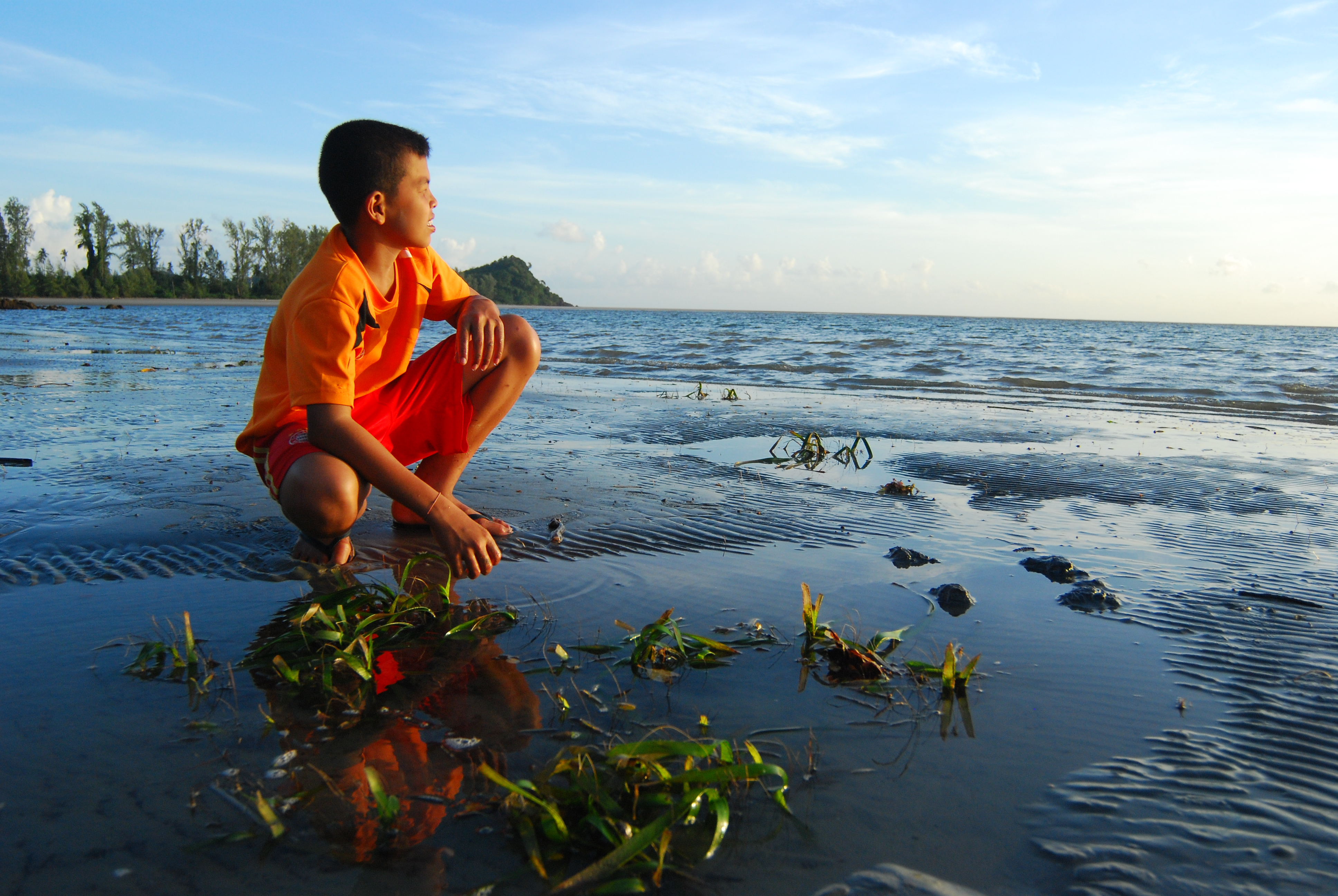 Building coastal resilience to reduce climate change impact in Baan Tha Klong, Thailand
