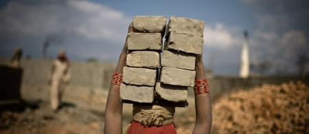 http://conorashleigh.com/stories/brick-kilns-of-bhaktapur/image-Brick-kilns-1