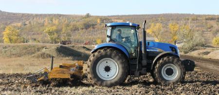 moldova tractor 2 - climate adaptation.