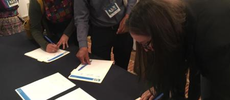 The First National EbA Forum in Guatemala, actors signing a declaration recognizing the importance of EbA for the country.