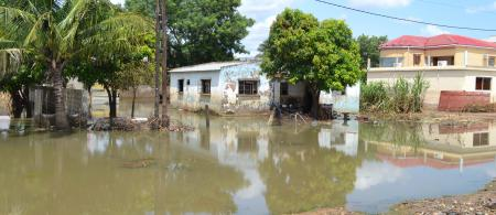 Flooded homes in Chokwe ©Hanna Butler/ IFRC