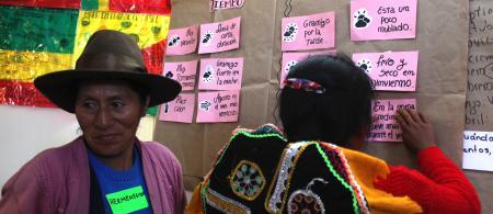 Mujeres de los Andes, participan de los Talleres Climáticos deCampo y reciben capacitación de los términos básico de meteorología. (M. Dapozzo)