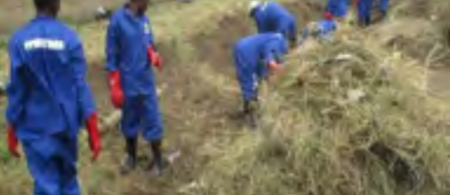 Community volunteers working on the drainage. Pictures provided by: People's Process on Housing and Poverty in Zambia.